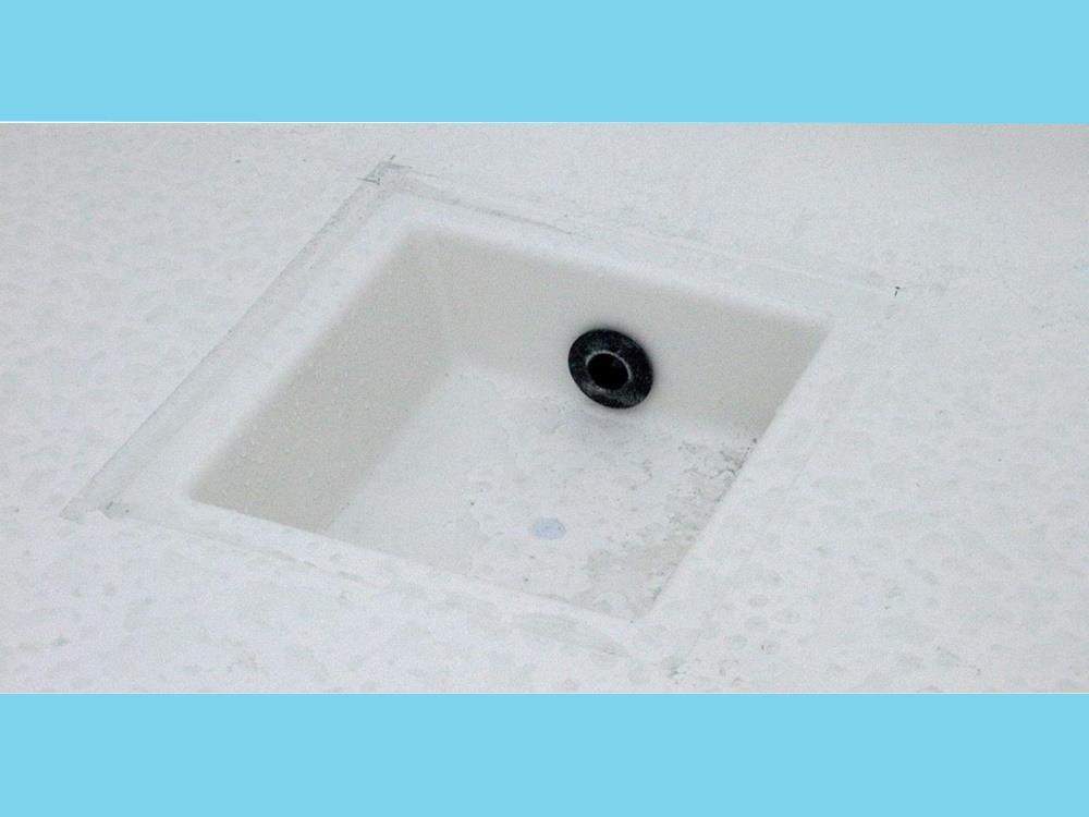 Polyesterbak 3500L 275x140x120cm + poten&aftapbakje